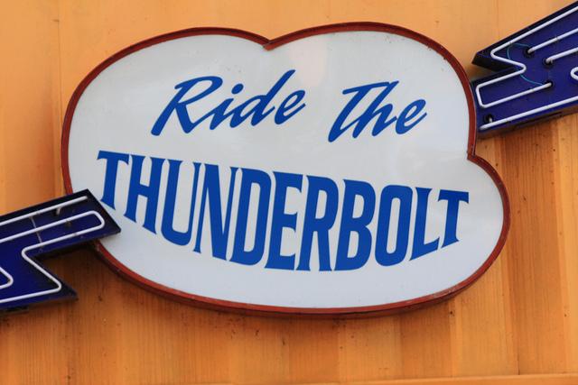 thunderboltsign